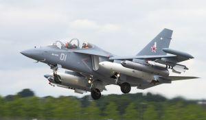 1280px-Jak-130_0649